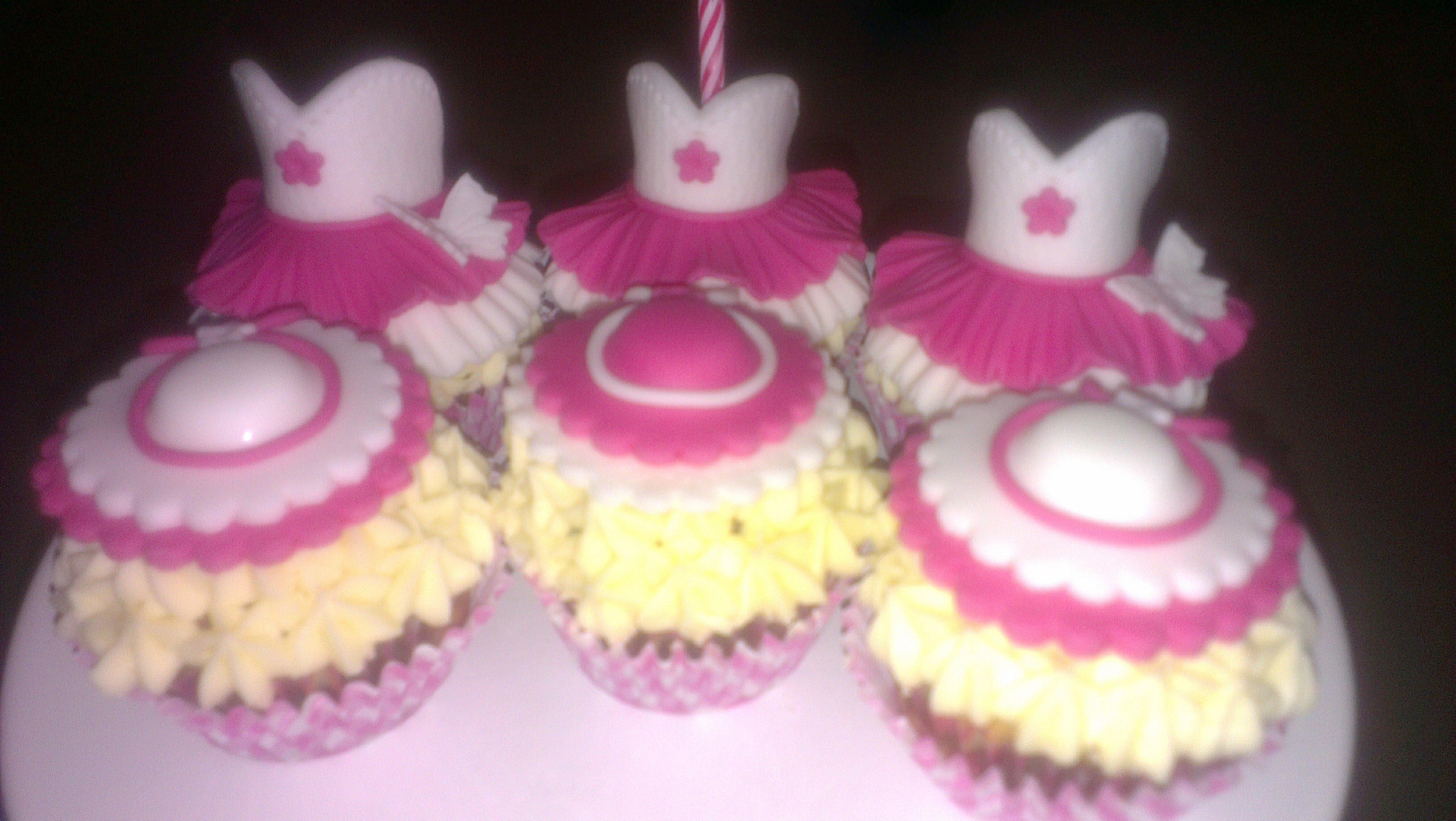 Dresses & Hats Cupcakes