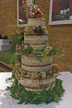 Ring of Flowers Naked Cake