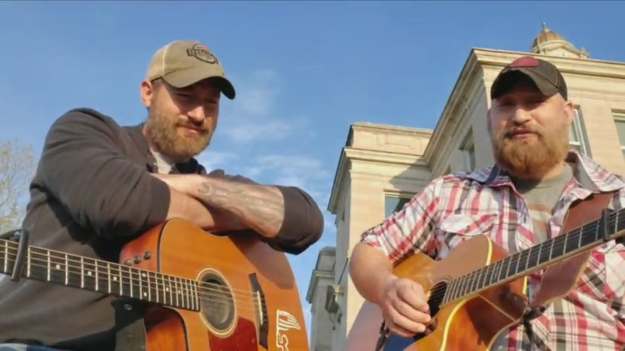 The Boys live from Sigourney, Iowa Square!!
