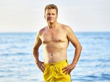 Men's Outfits To Wear During Beach Events