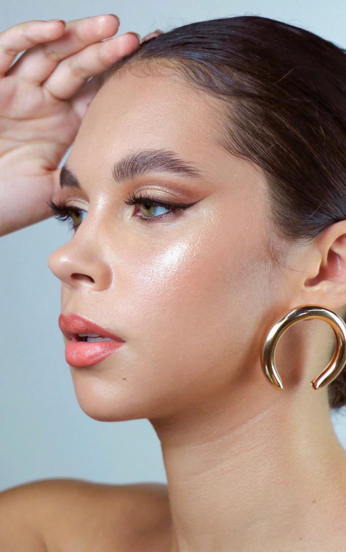 Makeup and Photo: Jess Hazuda Model: Tracy Dias