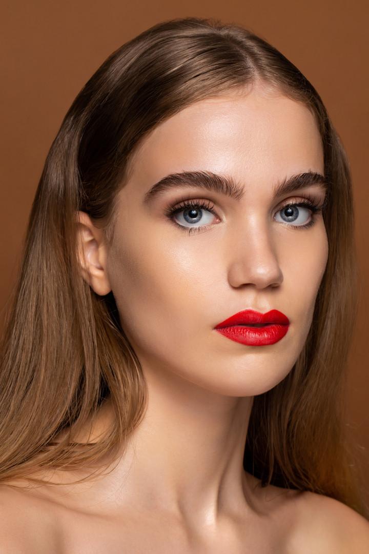 Photographer: Edward Anthony Model: Summer Onley Makeup: Jess Hazuda
