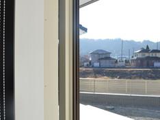 リビング 埋め込み式窓