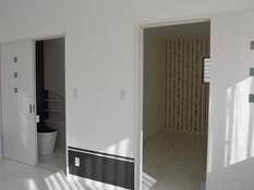 寝室 トイレ・収納
