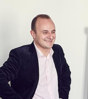 Thomas Royère, fondateur d'Un rôle à jouer, Théâtre d'entreprise, formation, vidéo, communication interne, conseil
