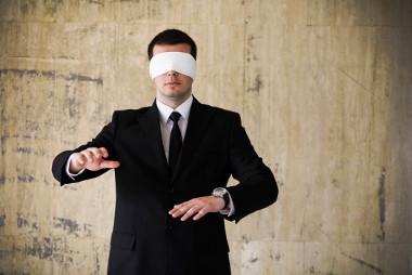 Manager dans l'incertitude théâtre d'entreprise, formation, article