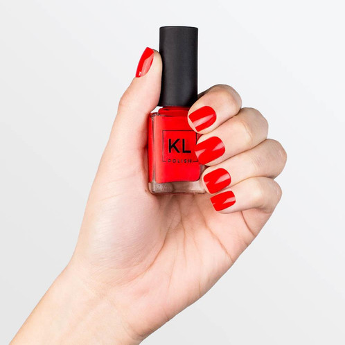This Poppy Red Shade Will Make Your Nails Hot Like The Summer Heat