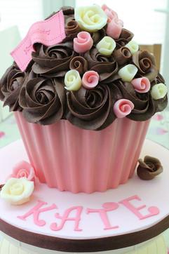 Sarah Thomas - Giant Cupcake7