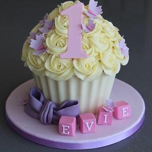 Sarah Thomas - Giant Cupcake3