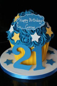 Sarah Thomas - Giant Cupcake5
