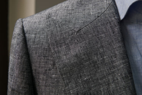 Peak Lapel on a Gray Wool Silk Linen Jacket