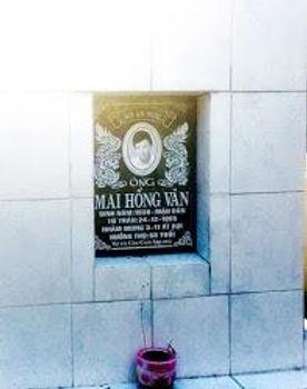 LTKhanh_MaiHVan_tomb.jpg