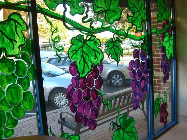 wine shop mural - day time