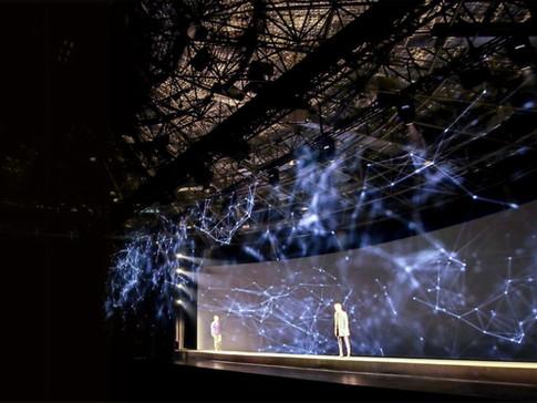 Massimo-Dutti-Holographic-Fashion-Show-3