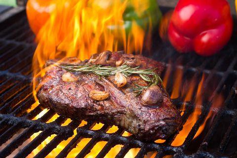 54d40c4a1b6bc_-_fire-steak-full.jpg