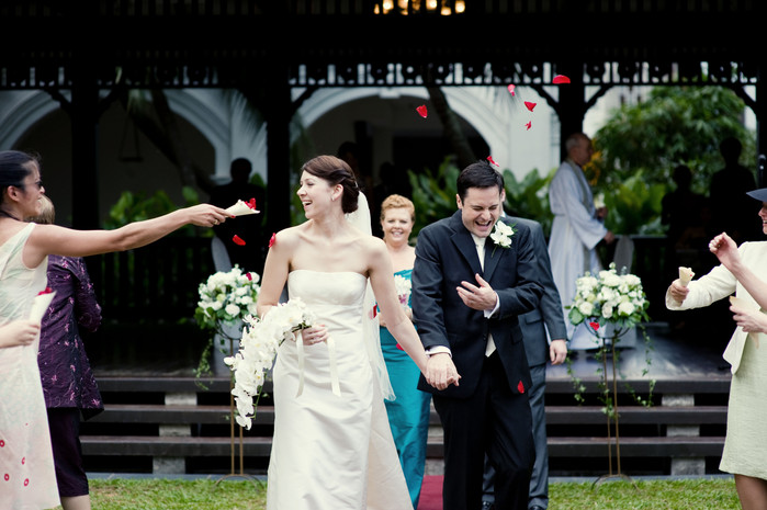 Wedding of Louisa & Keir: A merry gathering in sunny Singapore