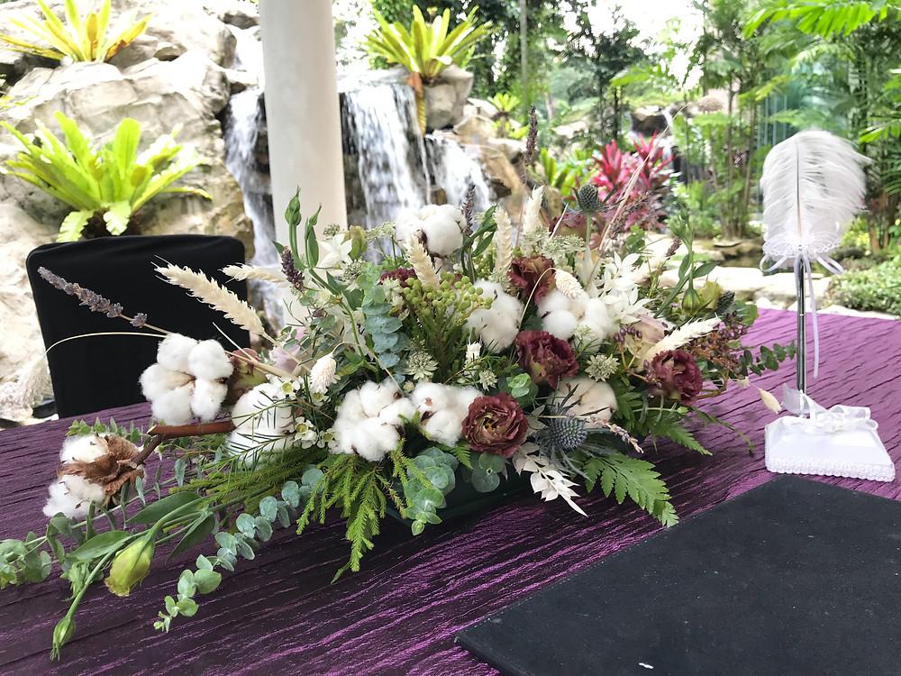 Solemnisation table centrepiece