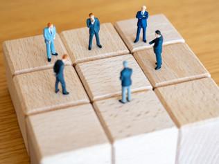 ビジネス目的の短期滞在、条件付きで在宅検疫期間短縮を再開