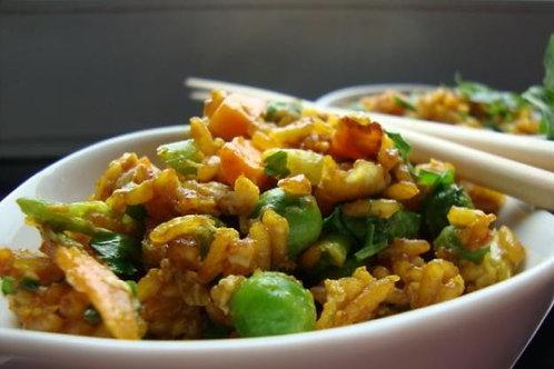 Smazony ryz po chinsku z soczystym kurczakiem