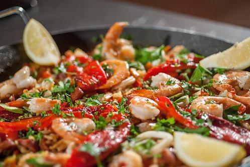 Paella z owocami morza w sosie smietanowym