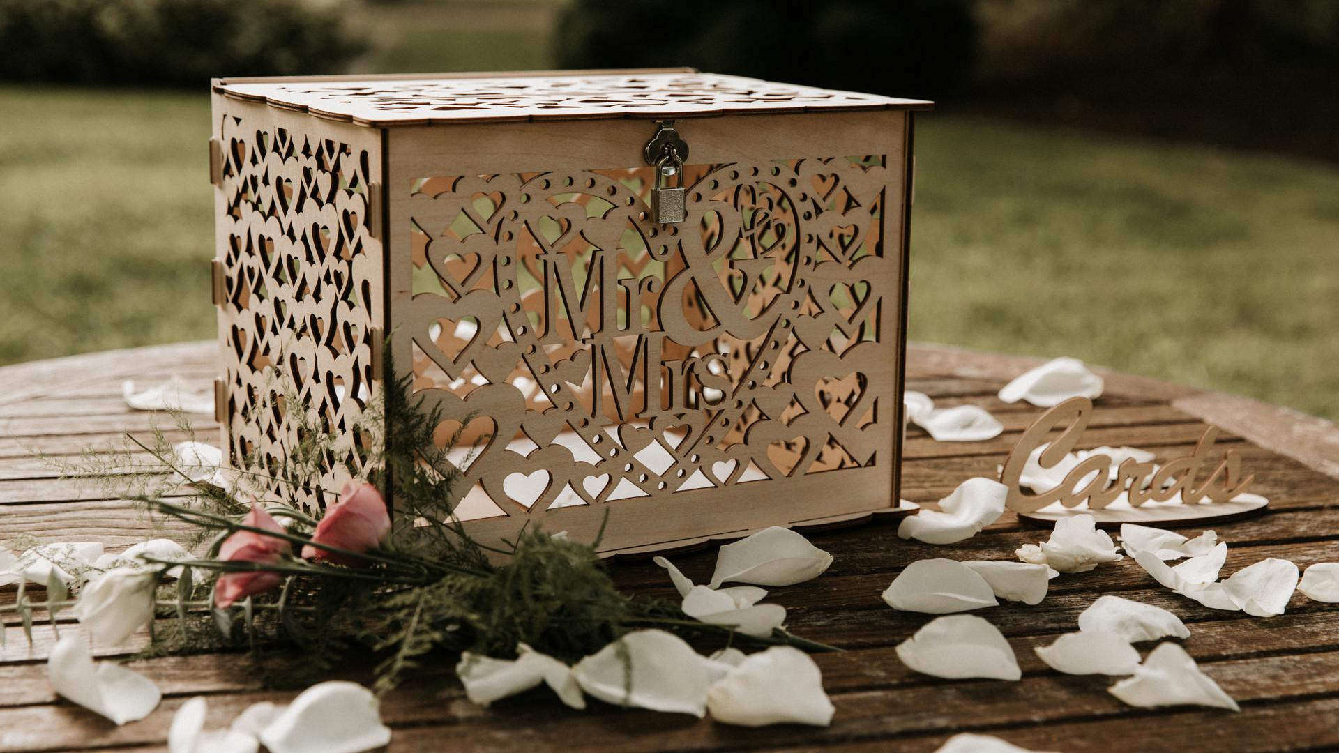 Garden Wedding Card Box Set Up