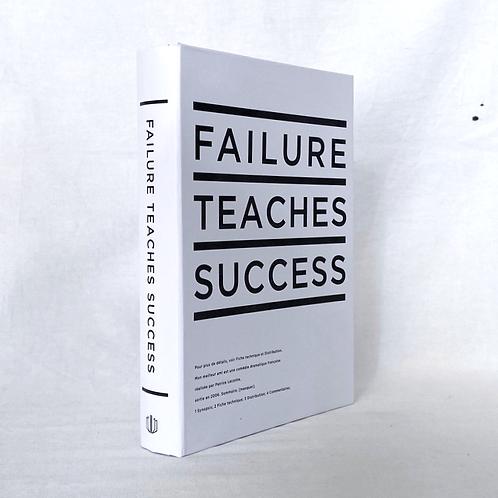 【イミテーションブック Mサイズ】FAILURE TEACHES SUCCESS (ホワイト)