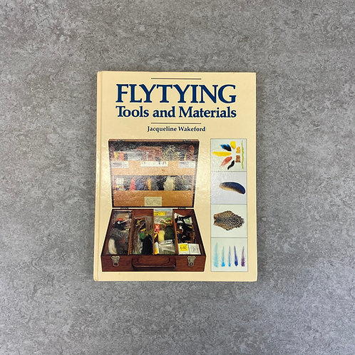 Fly-tying Tools and Materials (Fishing)【趣味】【ハードカバー】【英語】