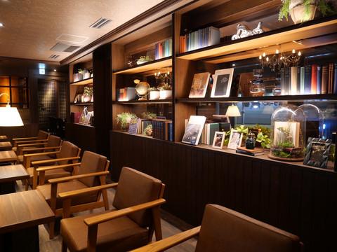 星乃珈琲店 上板橋店様のディスプレイに当店の書籍を利用頂きました。