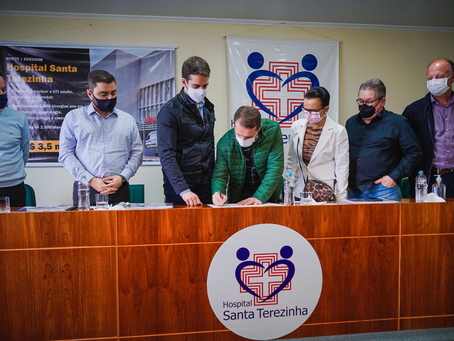 Assinatura de convênio garante R$ 3,5 milhões para o Santa Terezinha