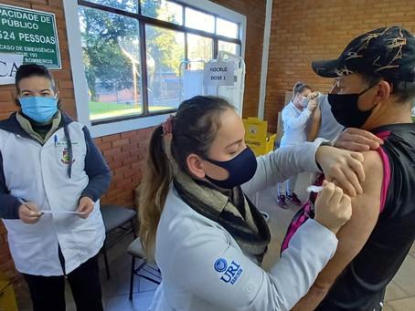 Covid19: Erechim inicia vacinação de  caminhoneiros, trabalhadores de limpeza urbana e garis