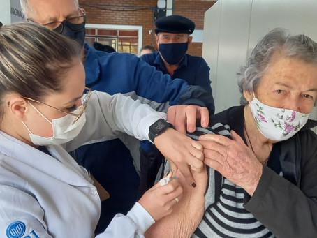 Vacinação contra a Covid-19: 130 mil doses aplicadas em Erechim