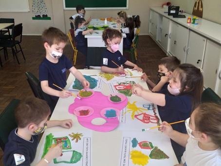 Alunos da Escola da URI participam  de projeto sobre o mundo da arte