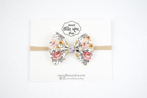 Hazel Blooms | Mini Scalloped Ellie Bow