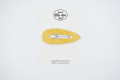 Mustard Embossed | XL Scalloped Snap Clip