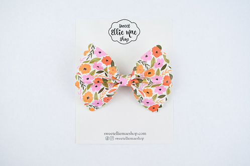Vintage & Birch |  Scalloped Ellie Bow