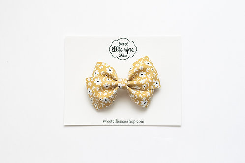 Flaxen Floral | Thick Lou Bow