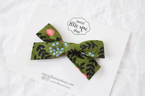 Winterberry  | Hand-tied Gracie Bow