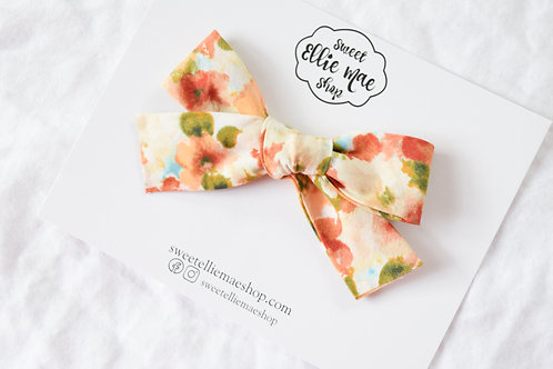 Falling in Love | Hand-tied Gracie Bow