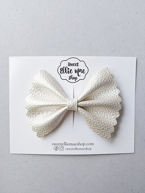 Pearl |  Scalloped Ellie Bow