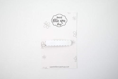 White | Scalloped Acrylic Bar Clip