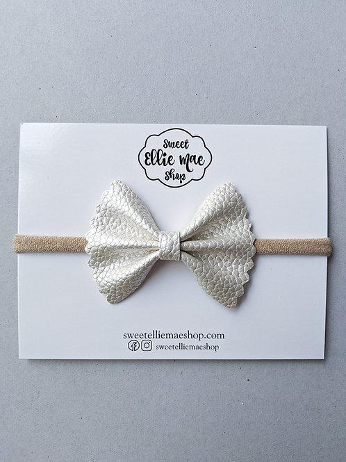 Pearl | Mini Scalloped Ellie Bow
