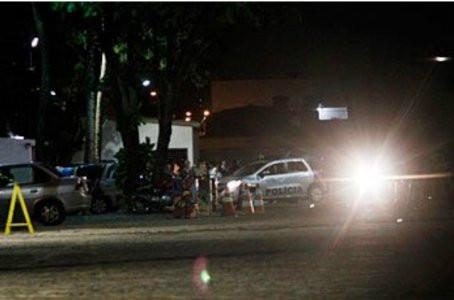 Homem mata sobrinha com vários golpes de faca e deixa outra pessoa ferida em Jaboatão