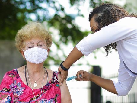 Jaboatão inicia vacinação de idosos com 68 anos e abre cadastramento para público de 65 anos