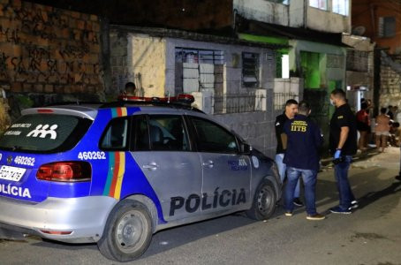 Soldado do Exército é morto a tiros na frente de casa onde morava em Jaboatão