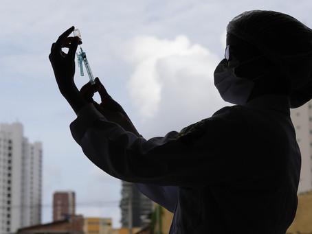 Jaboatão inicia vacina contra Covid-19 em idoso com 61 anos