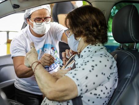 Jaboatão abre cadastramento para idoso com 74 anos para vacinação contra Covid-19
