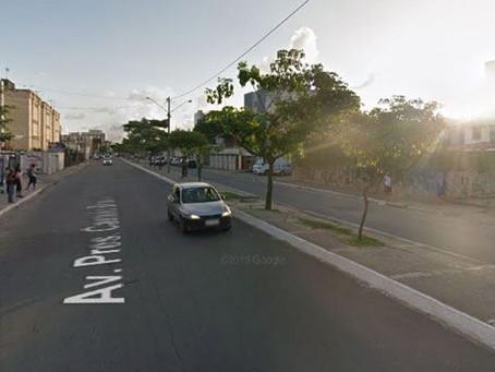 Obra da Compesa altera trânsito em Candeias