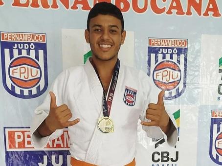 Judoca jaboatanense é ouro