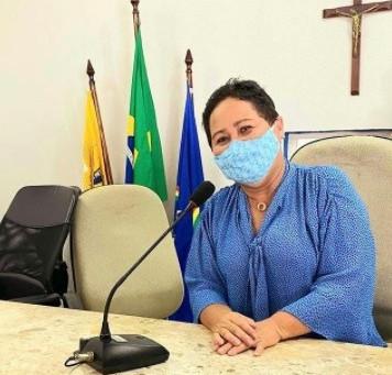 Jaboatão: vereadora Jacinta solicita a inclusão dos professores para a vacinação