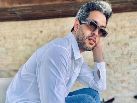 Fisioterapeuta Elexsandro Araújo faz publicidade da marca de calçados Skechers